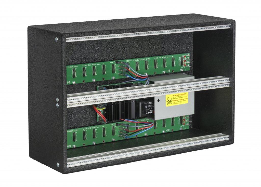 Doepfer low cost case 6u vintage modular for Case low cost amsterdam